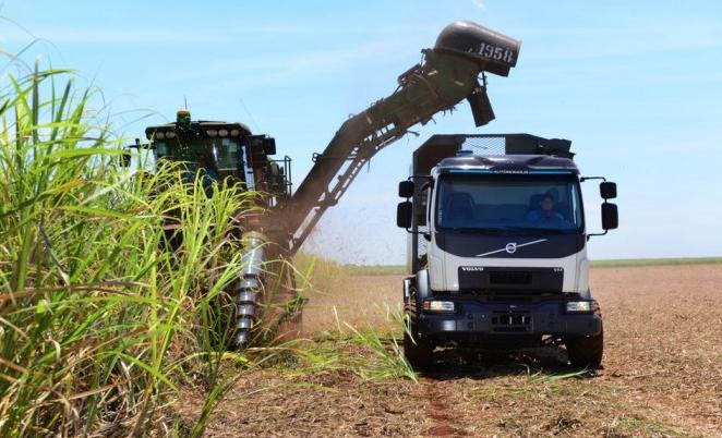 沃尔沃自动转向卡车:装配陀螺仪可防止卡车偏离路线