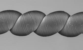 可为传感器供电的高科技纱线:被拉伸或扭转就能发电