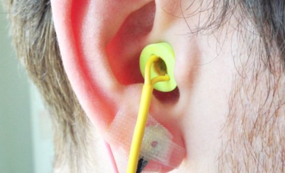 英国研发出可更精确监测心脏功能的耳塞传感器