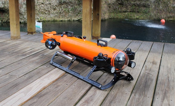 美国开发出带多种传感器的新型水下机器人