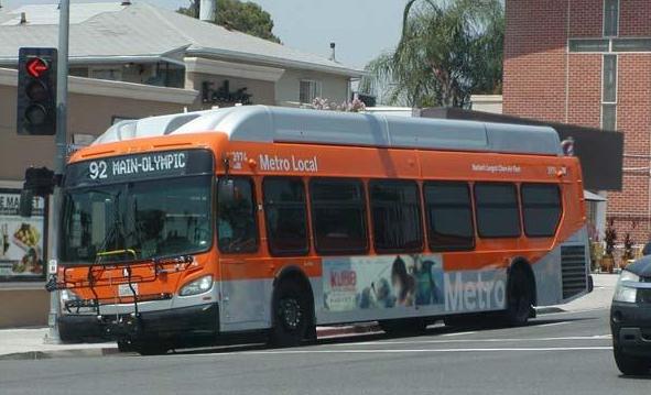 美国出资测试公交车传感器技提高道路交通安全