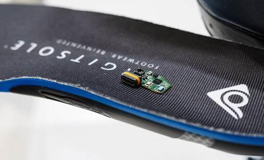 内置有传感器和恒温器的Digitsole智能鞋垫