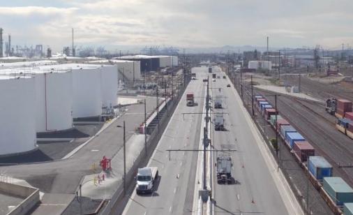 西门子推出首条电子公路:借传感技术帮助车辆实现变道