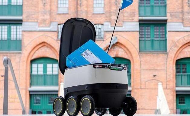 亚马逊开发邮递机器人:内置传感器还能自动开门锁