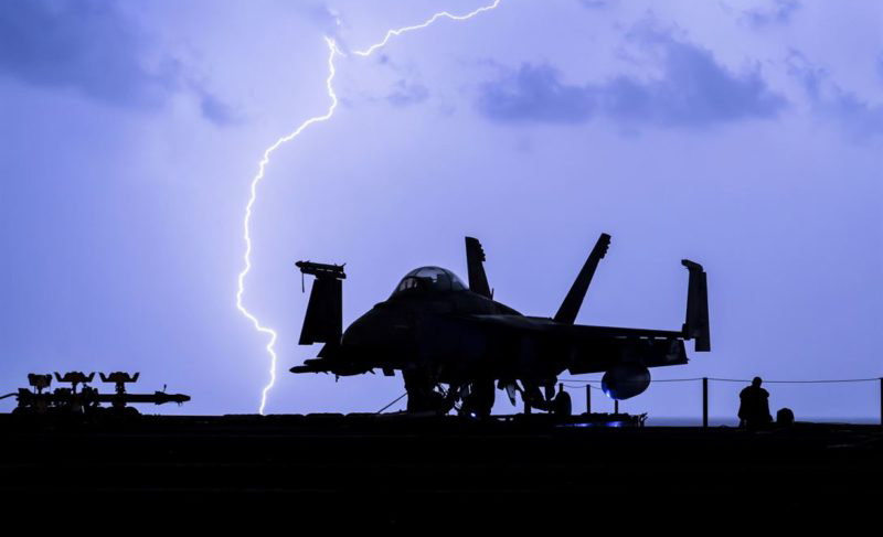 美国研究人员欲用传感器方法减少飞机遭雷击风险
