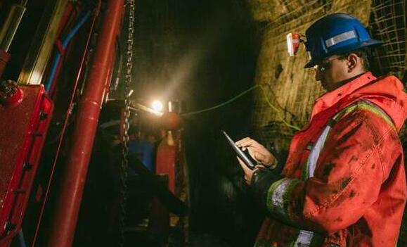加拿大矿企部署该国最深的地下LTE无线通信网络