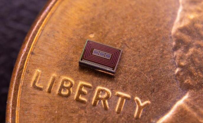 可植入体内的微型传感器芯片能测量酒精摄入量