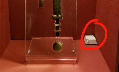传感器小盒子监测博物馆文物展柜内的微环境