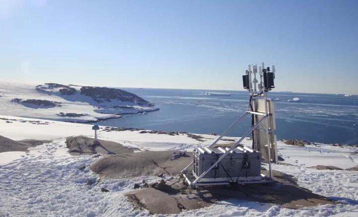 GPS传感器用在南极冰盖融化科研监测活动中