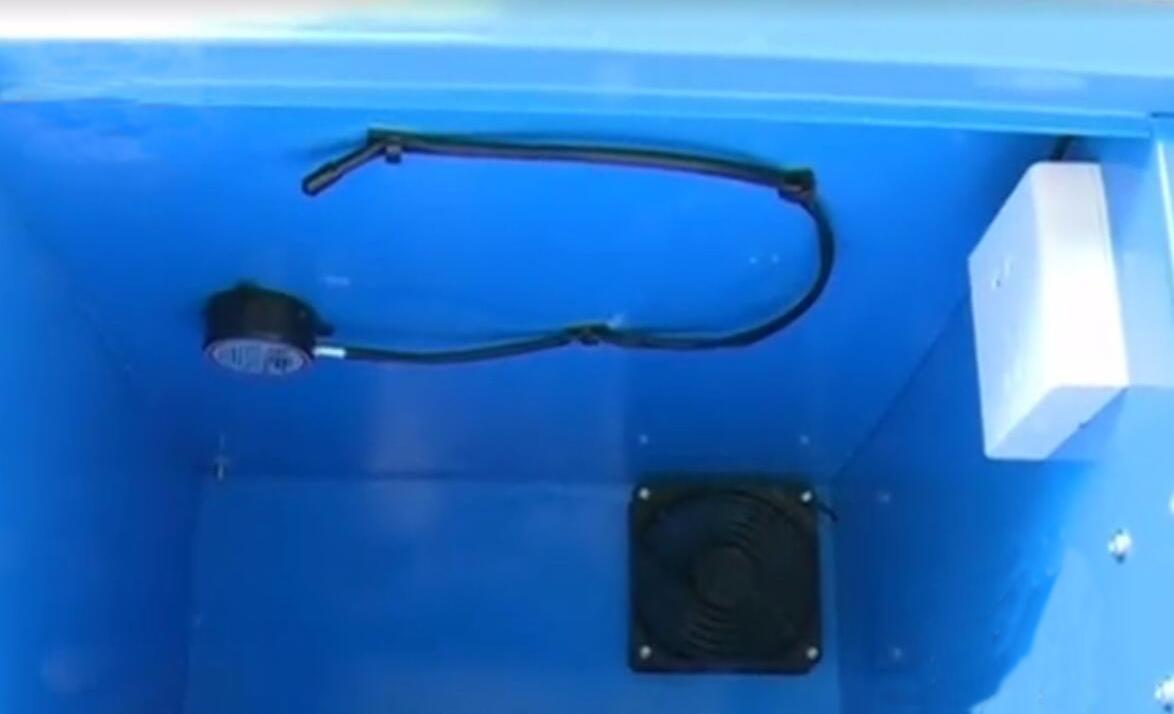 深圳首个共享智能电动车充电柜上线:内置温度探头可自动断电