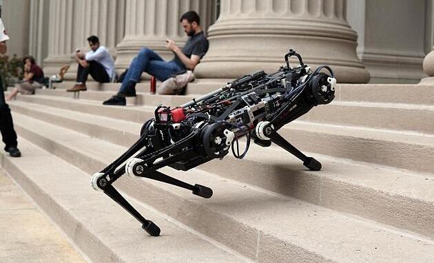 MIT新型猎豹机器人:基于传感器和新算法可在黑暗中自如穿行