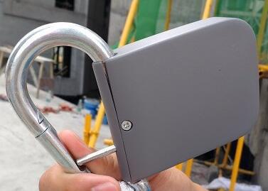 建设工地智能安全挂钩:内置气压传感器 超两米高可自动锁死