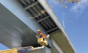 多种传感器最新用于这座国内城市的桥梁健康监测中